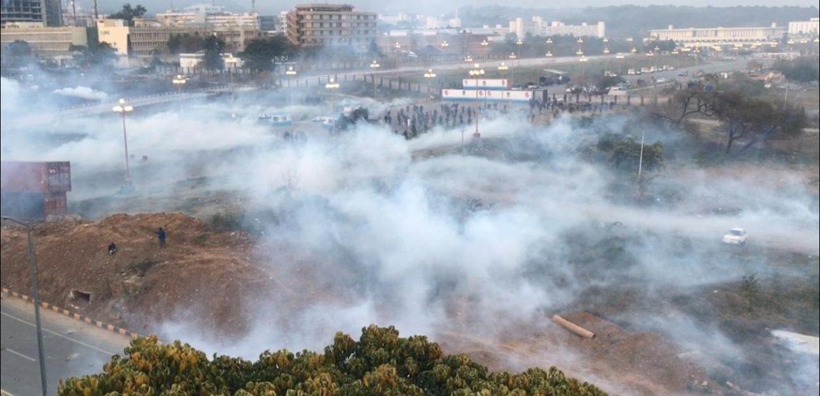 کراچی یونین آف جرنلسٹس کی اسلام آباد میں سرکاری ملازمین پر ریاستی طاقت کے استعمال کی مذمت