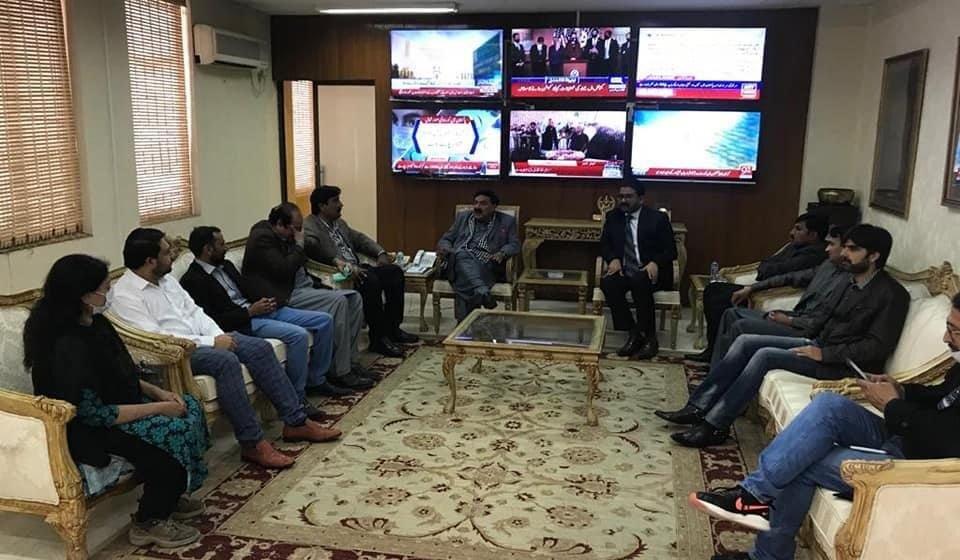 حکومت صحافیوں کے مسائل حل کرنا چاہتی ہے، وفاقی وزیر داخلہ شیخ رشید